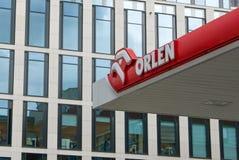 在加油站的Orlen商标 免版税库存照片