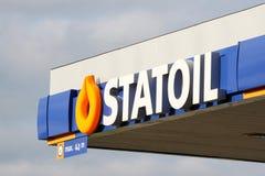 在加油站的Statoil商标 免版税库存图片