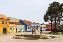 在加里波第广场,库里奇巴,巴拉那状态,增殖比的记忆喷泉 免版税图库摄影