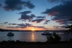 在努力河的Cooktown日落 免版税库存图片