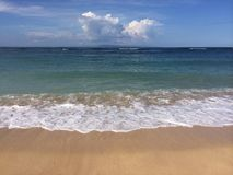 在努沙Dua的巴厘岛海滩 免版税库存图片