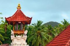 在努沙Penida海岛上的传统巴厘语寺庙 库存照片