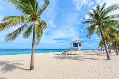 在劳德代尔堡的天堂海滩在一美好的sume的佛罗里达 免版税图库摄影