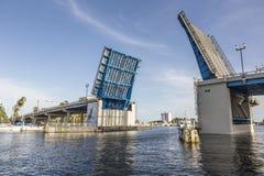 在劳德代尔堡打开吊桥 免版税库存照片