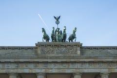 在勃兰登堡门(Brandenburger突岩)的细节四马二轮战车是一座建筑纪念碑在柏林的米特区区的心脏 免版税库存图片