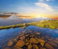 在勃朗峰的意想不到的日出在法国阿尔卑斯,欧洲 & x28; Lan 免版税库存照片