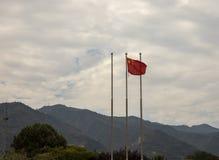 在勤王石牌黄二埋葬土墩,羡,池氏的中国旗子 免版税库存照片
