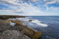 在勾子头半岛的海洋岸 免版税库存照片