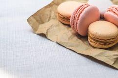 在包裹关闭的开胃蛋糕蛋白杏仁饼干 免版税库存照片