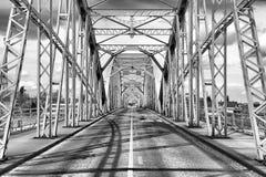 在匈牙利和斯洛伐克之间的伊丽莎白桥梁 库存图片