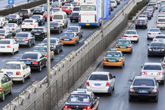 在北京第四条环行路,北京,中国的交通堵塞 库存照片