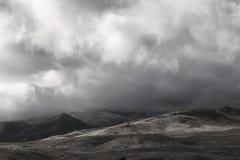 在北内华达的暴风云有雪打扫灰尘的  免版税库存图片