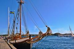 在北海的大小船 免版税库存照片
