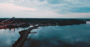 在北海的美丽的云彩 晚上微明在俄罗斯 剧烈的风景芬兰湾 在海运somethere塔林附近的波儿地克的爱沙尼亚 影视素材