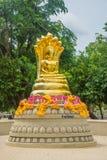 在北碧省的菩萨雕象 库存图片