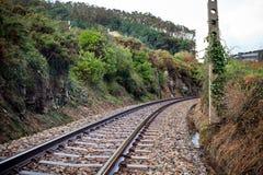 在北西班牙的老农村铁路 图库摄影