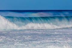 在北部岸的美丽的夏威夷波浪 库存图片