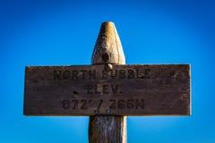 在北部泡影的海拔标志,在阿科底亚国家公园,缅因 图库摄影