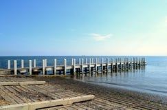 小船舷梯和码头 图库摄影