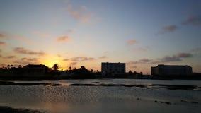在北部阿鲁巴的日落 库存照片