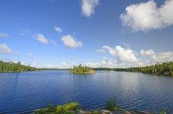 在北部Woods湖的清早 库存图片