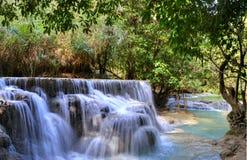 在匡Si瀑布的蓝色水池 库存照片