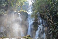 在匡Si瀑布的蓝色水池 免版税库存图片