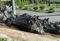 """在医院â """"的正方形的雕刻的小组` Donchak横穿` – 1 Volgodonsk 免版税图库摄影"""