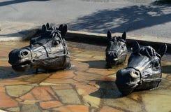 """在医院â """"的正方形的雕刻的小组` Donchak横穿` – 1 Volgodonsk 免版税库存图片"""