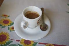 在午餐以后的浓咖啡咖啡 库存图片