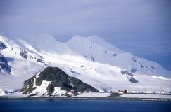 在半月岛,布兰斯菲尔德海峡,南极洲附近的冰川 库存照片