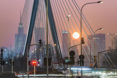 在华沙的有薄雾的日落 免版税图库摄影