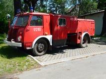 在华沙,波兰历史的省汽车壁炉附近的米拉努韦克 免版税库存图片
