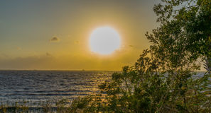 在华盛顿湖的日落在墨尔本佛罗里达附近 库存图片