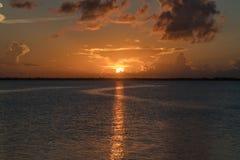 在华盛顿湖,墨尔本佛罗里达的日落 图库摄影
