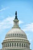 在华盛顿特区国会大厦附近的第一路牌 库存图片