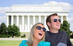 在华盛顿特区的愉快的夫妇 图库摄影