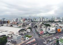 在华lumphong火车站附近的Rama IV连接点 免版税库存照片