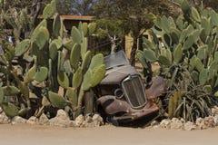 在单粒宝石,纳米比亚的被放弃的车围场艺术 免版税库存图片