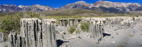 在单音湖的沙子凝灰岩 免版税库存照片