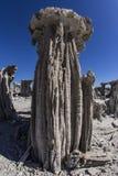 在单音湖的沙子凝灰岩 免版税库存图片