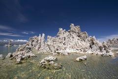 在单音湖,加利福尼亚的凝灰岩 图库摄影