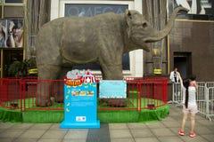 在南京路的装饰在上海,中国 免版税图库摄影