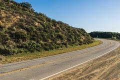 在南加州小山的路 免版税库存照片