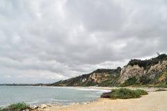 在南加州海滩的桑迪小海湾 库存图片