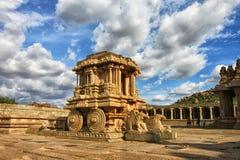 在南印度的寺庙的石运输车 图库摄影