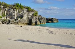 在南安普敦,百慕大附近的绿松石海滩 免版税库存图片
