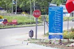 在南方的Carretera的交通标志,智利 库存照片