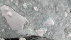 在南极洲的海洋冰砍运动从船弓的破冰船视图  影视素材