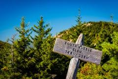 在南泡影的海拔标志,在阿科底亚国家公园,缅因 免版税库存照片